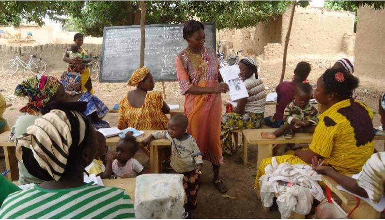 Soutien aux femmes du Burkina Faso pour une agriculture biologique autonome.