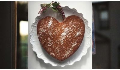 Thé à la vanille et gâteau pour un TEA TIME délicieux au coin du feu